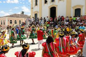 Estatísticas culturais do Brasil V. Percentual de municípios com grupos artísticos de manifestação tradicional popular por Unidade Federativa