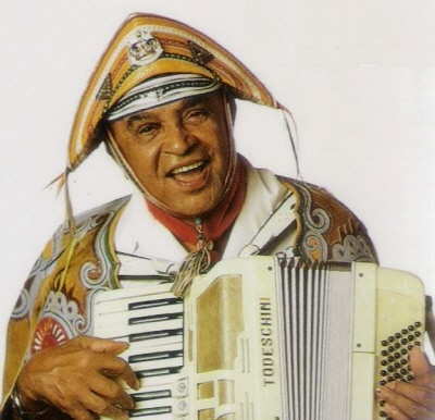 Ouça Luiz Gonzaga cantando as coisas de Alagoas, em dose dupla